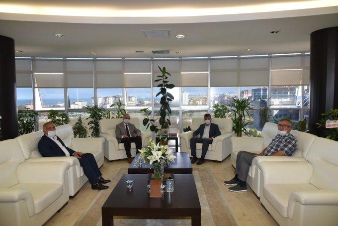 Ondokuz Mayıs Üniversitesi Rektörlüğüne yeni atanan Prof.Dr.Yavuz ÜNAL hocamızı ziyaret ettik.